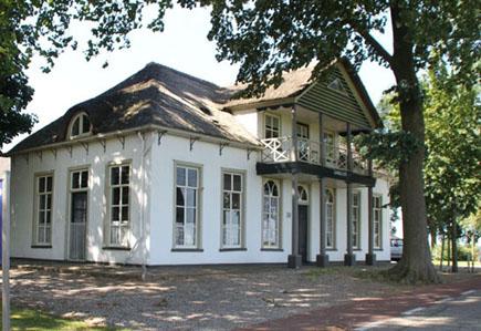 Veerhuis Landlust - Houten